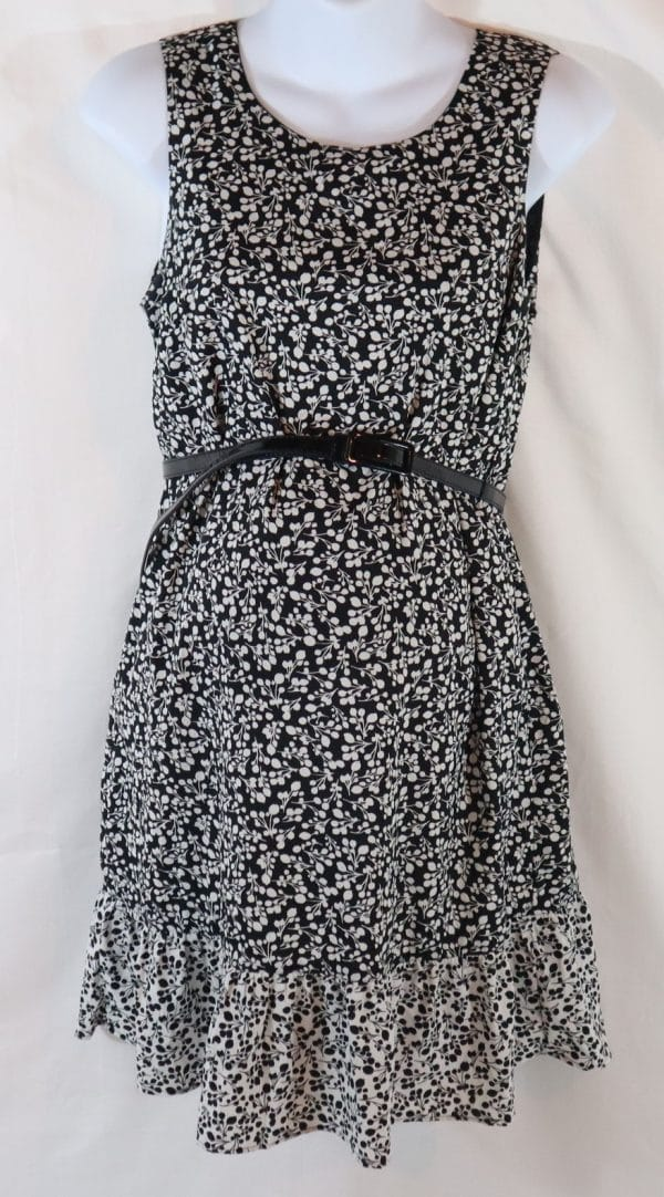 gently used maternity clothes, used motherhood dress, maternity traders